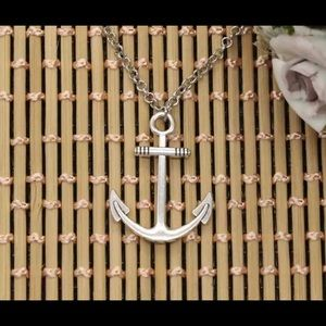 Jewelry - NEW silver colored anchor pendant necklace